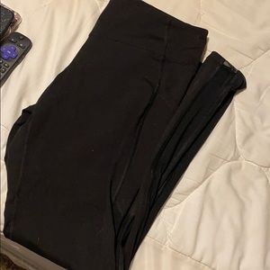 Mid rise old navy workout leggings with pockets